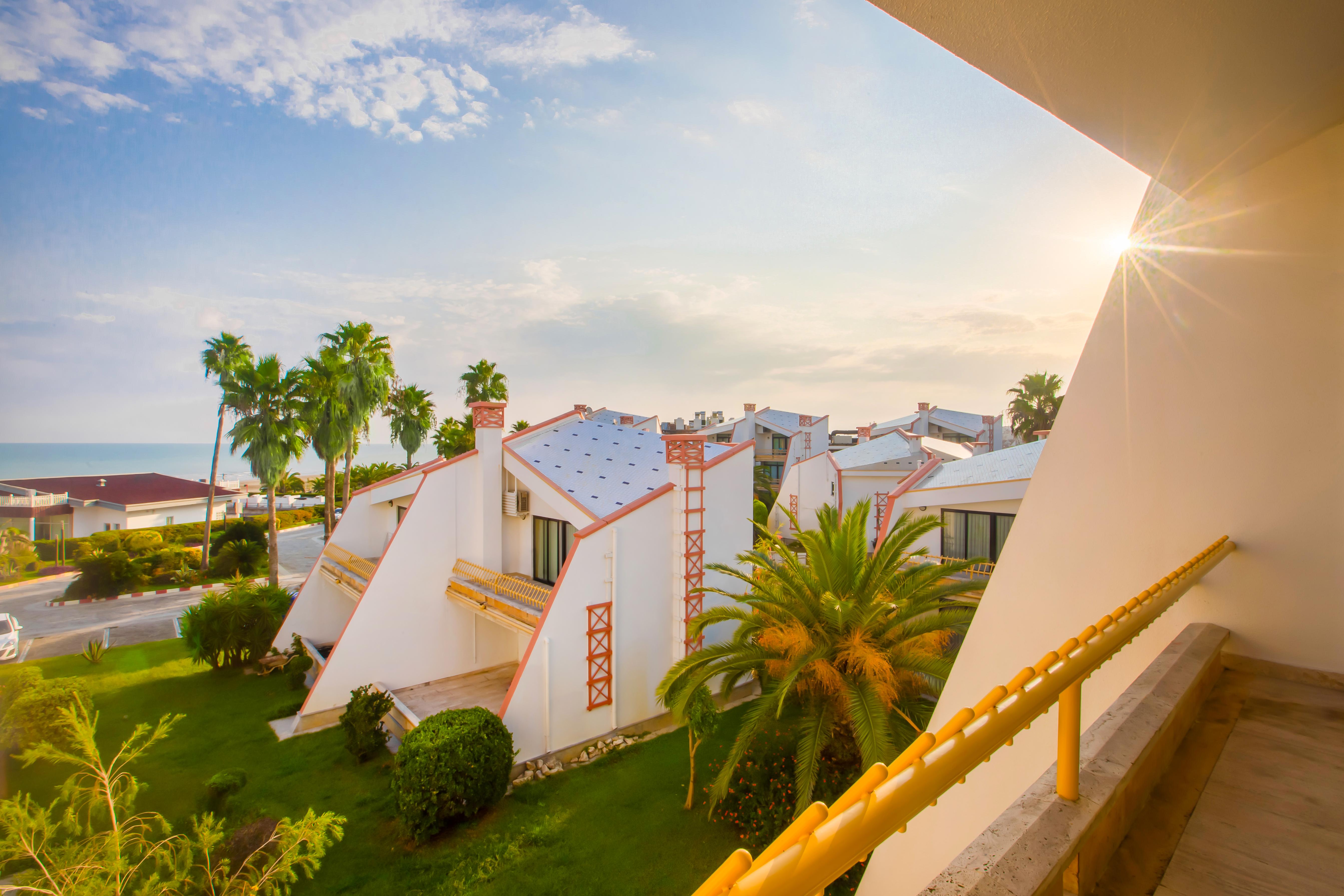 هتل ساحلي شهر ایزدشهر